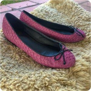 Pour La Victoire Purple Textured Leather Flats